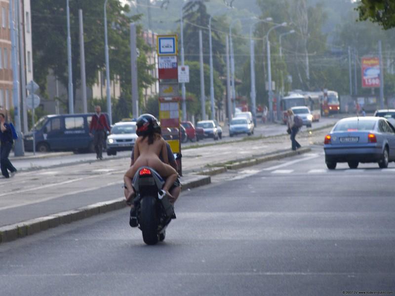 alane-e-motorbike-nude-in-public-65