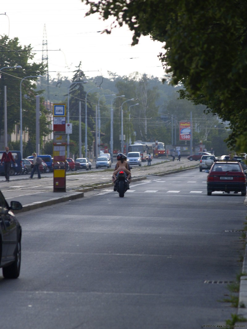 alane-e-motorbike-nude-in-public-66