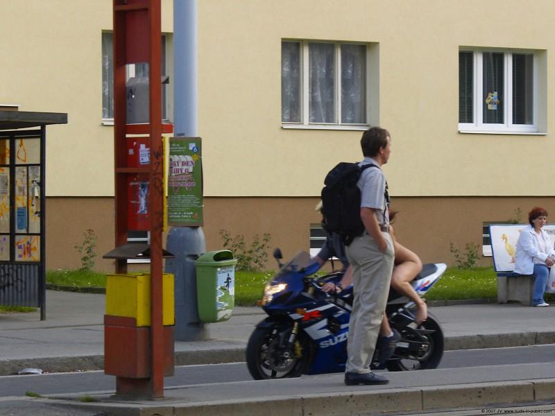 alane-e-motorbike-nude-in-public-70
