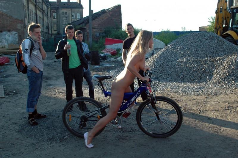 natalia-nude-in-petersburg-22