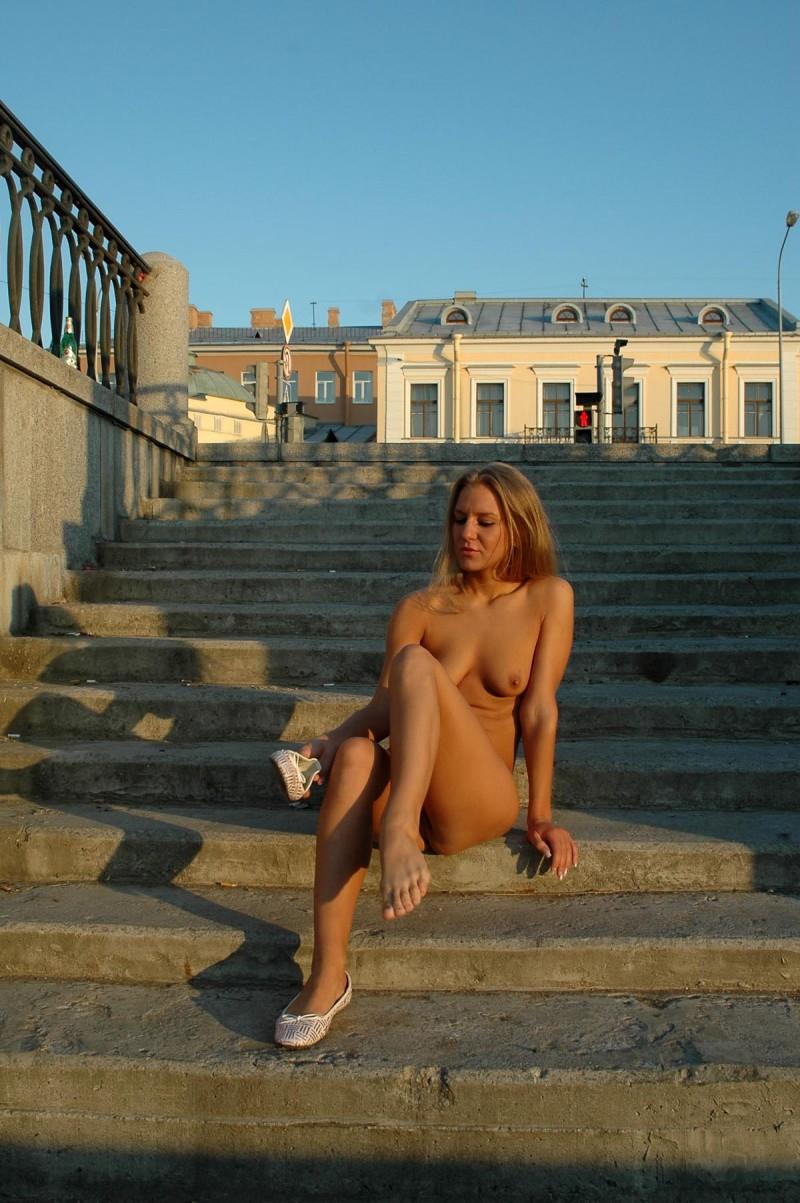 natalia-nude-in-petersburg-77