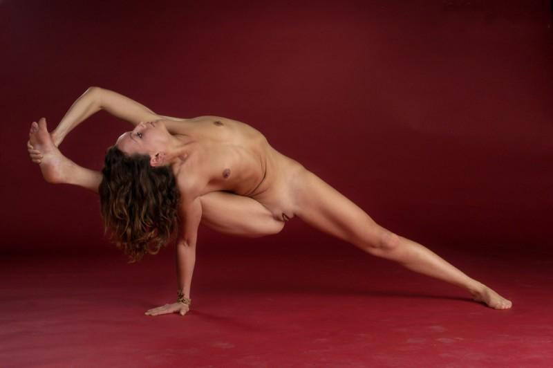 flexible-girl-naked-yoga-46
