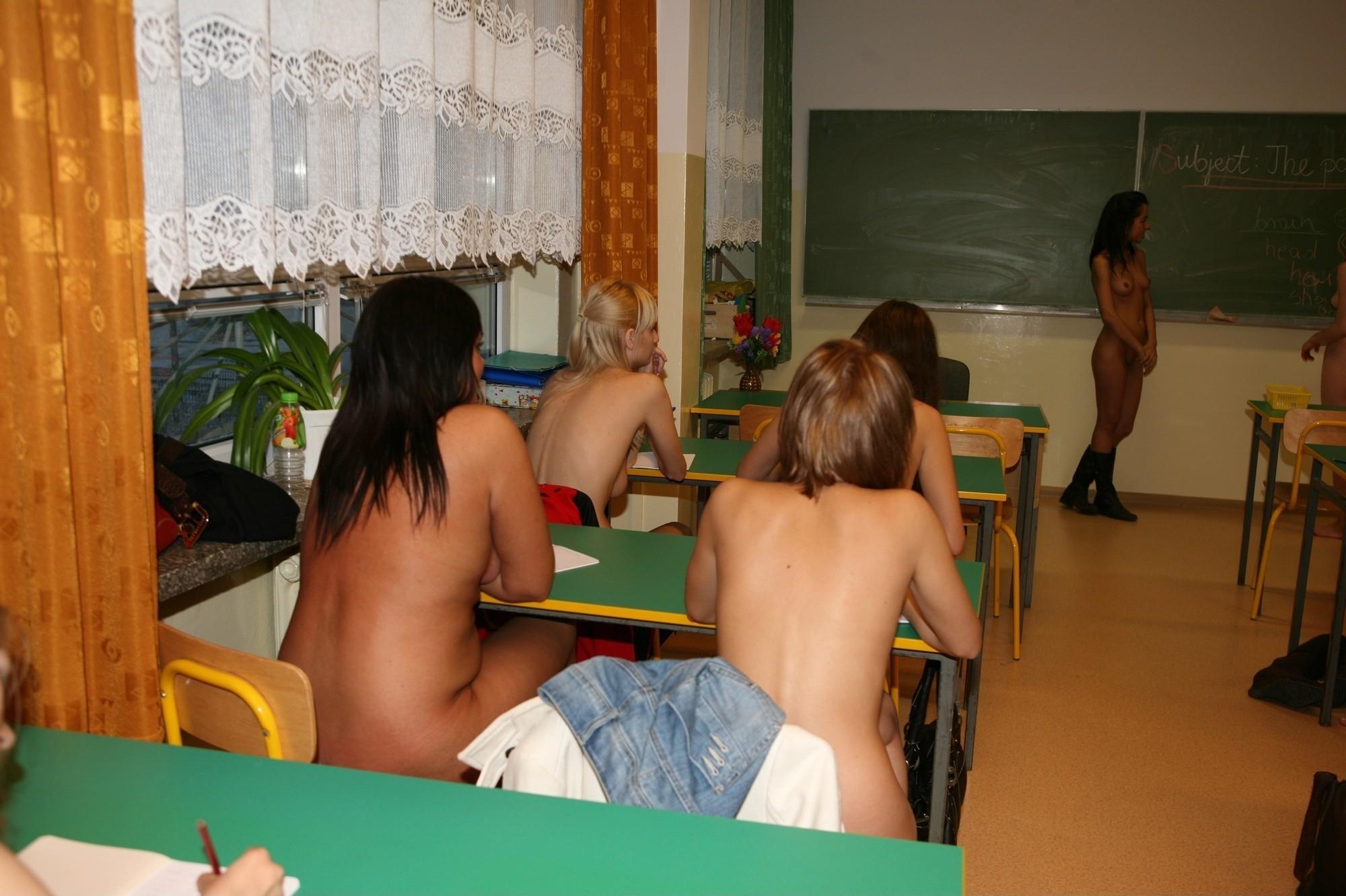 sexy nude mika tan