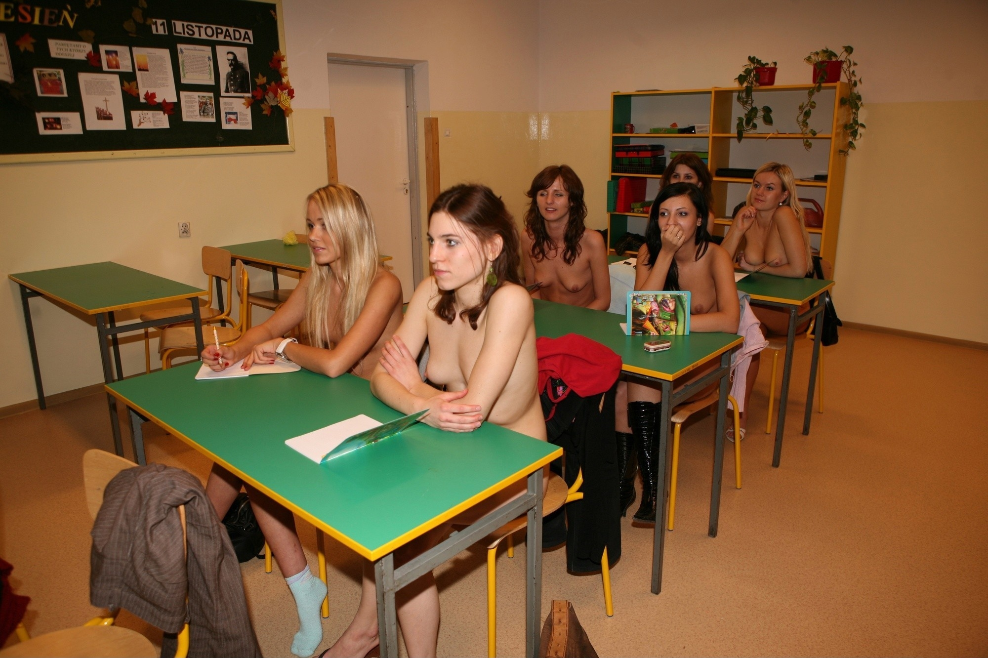 Teen girls naked in class — 1