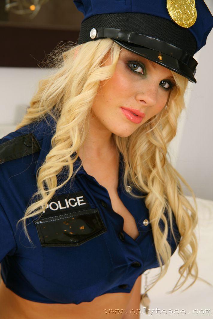 faith-nelson-police-boobs-pantyhose-onlytease-06