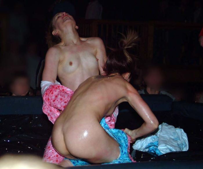 oil-wrestling-girls-04
