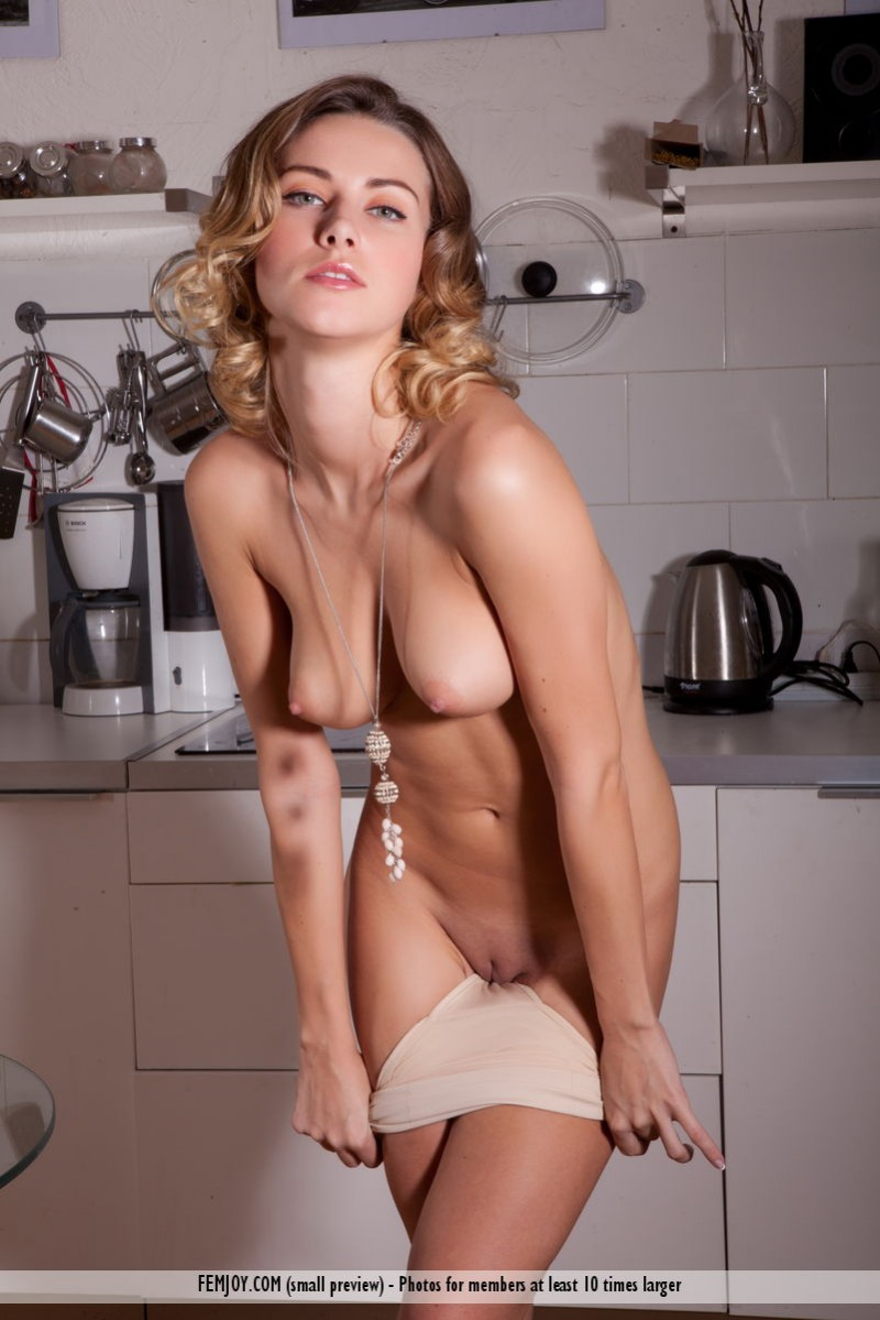 the girls Nude kitchen in russian