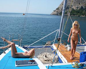 olga-&-oxana-catamaran-nude-sisters-metart
