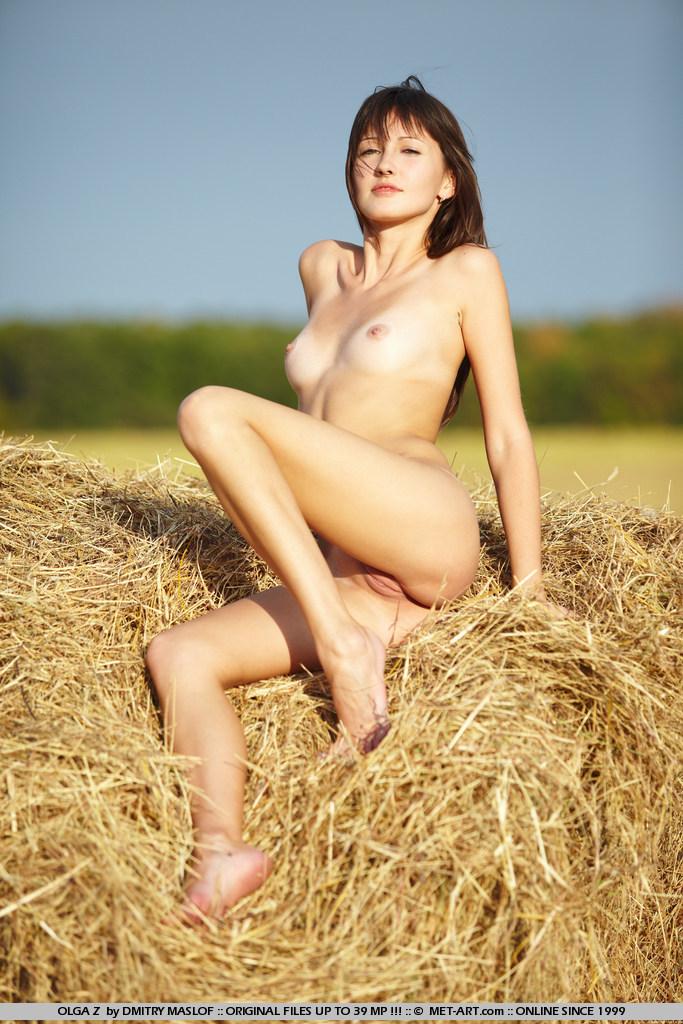 olga-z-grain-field-met-art-05