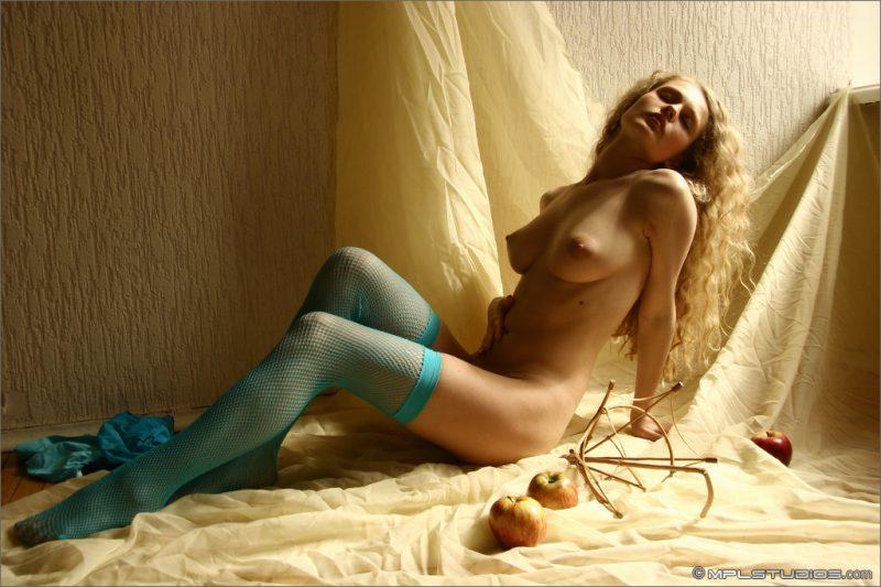 olia-blue-fishnets-nude-mplstudios-06