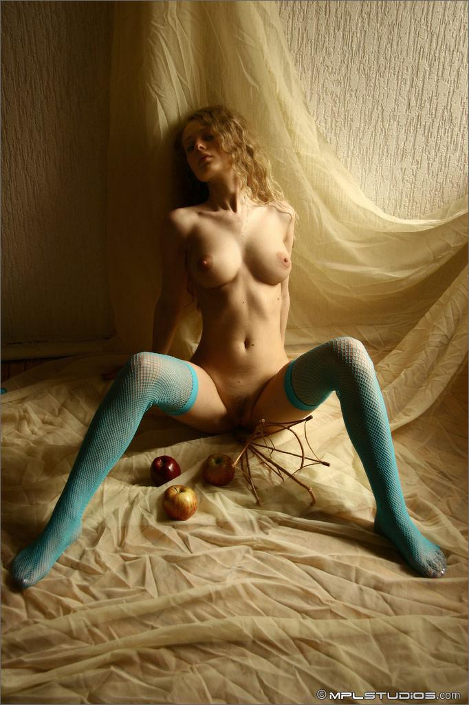 olia-blue-fishnets-nude-mplstudios-08