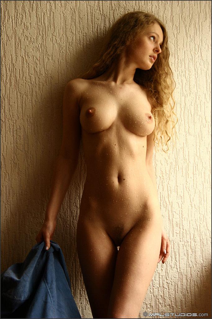май фото ру голые девушки
