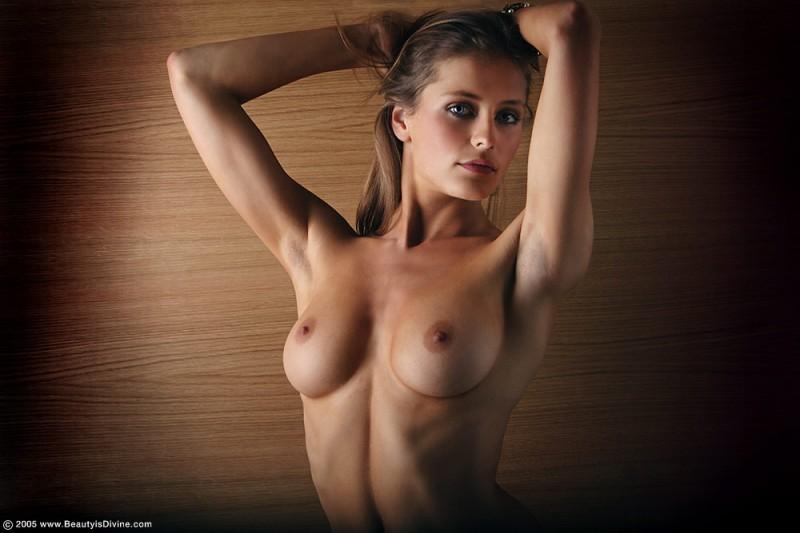 model nude Ophelia