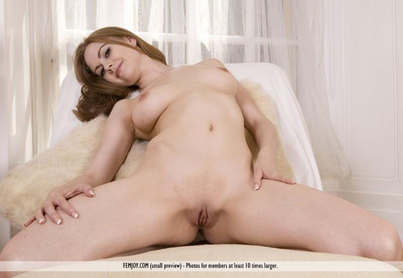oriana-nude-femjoy-11