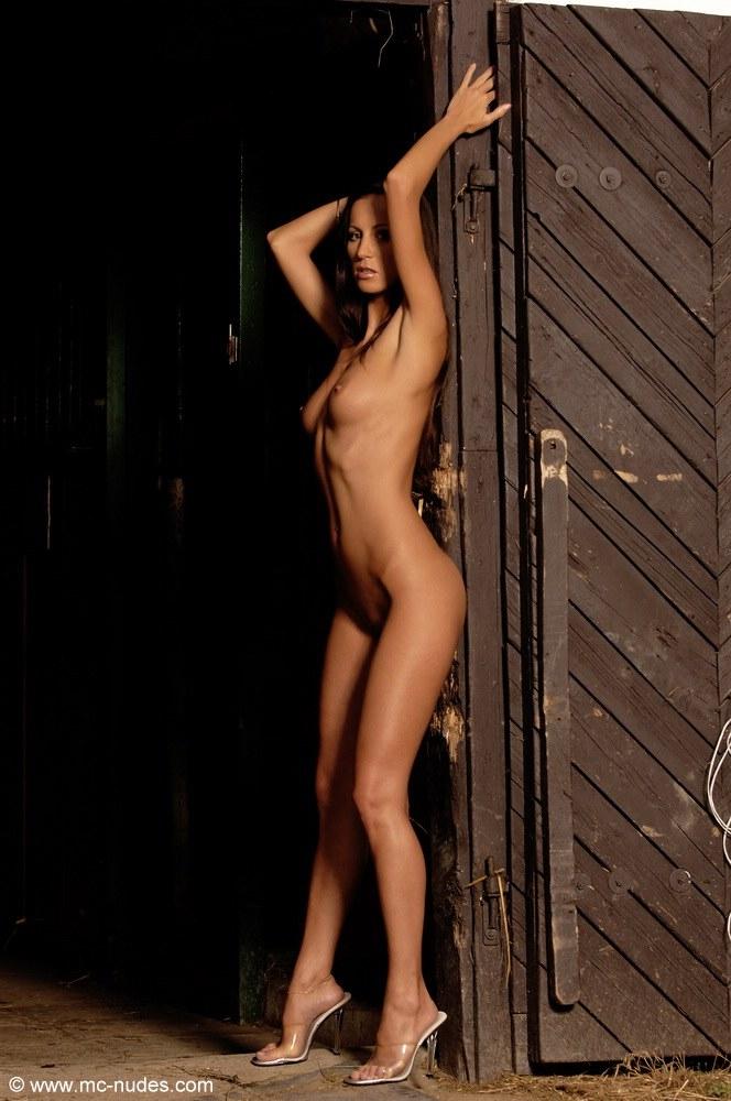 orsolya-naked-stable-mcnudes-10