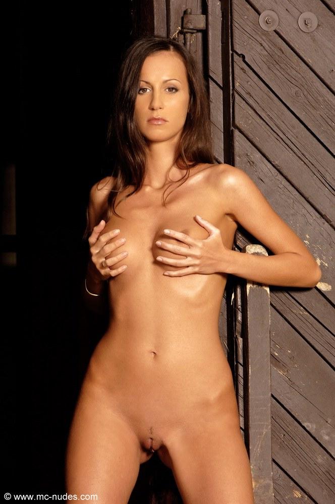orsolya-naked-stable-mcnudes-12