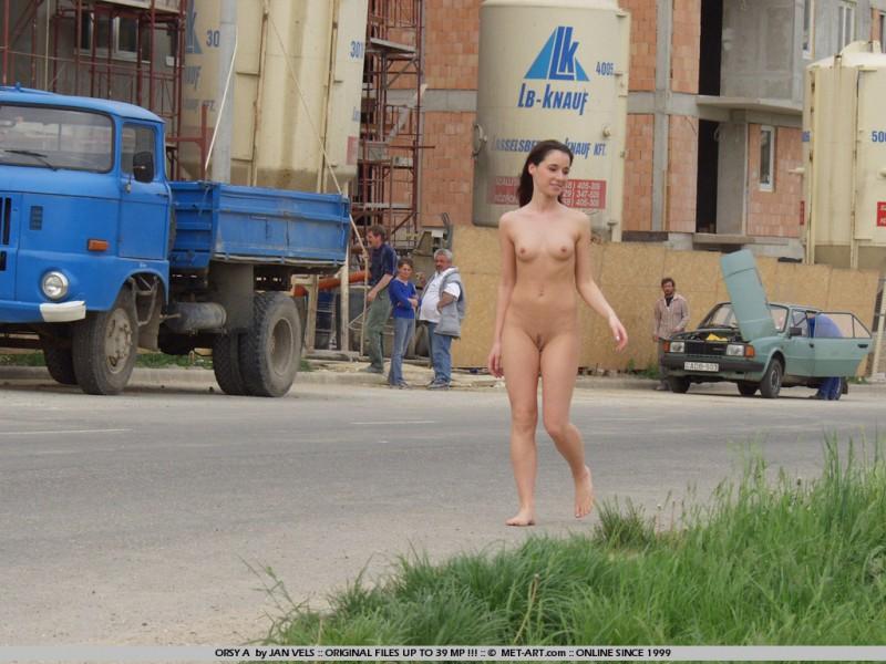 orsy-nude-in-public-09