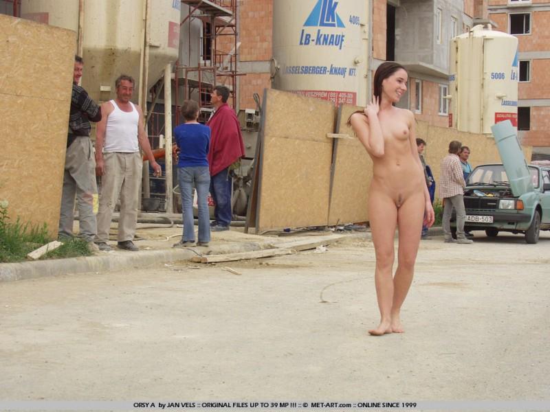 orsy-nude-in-public-10