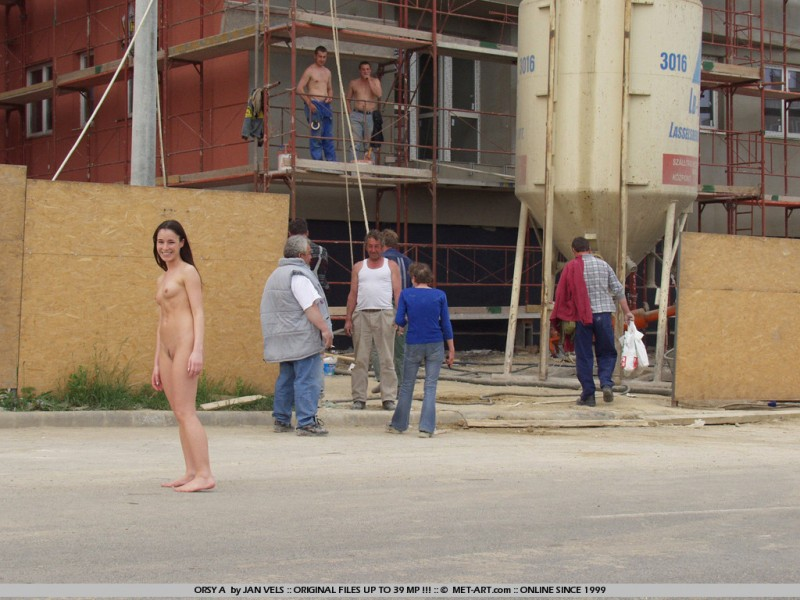 orsy-nude-in-public-11