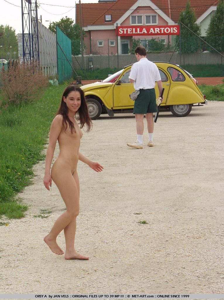 orsy-nude-in-public-16
