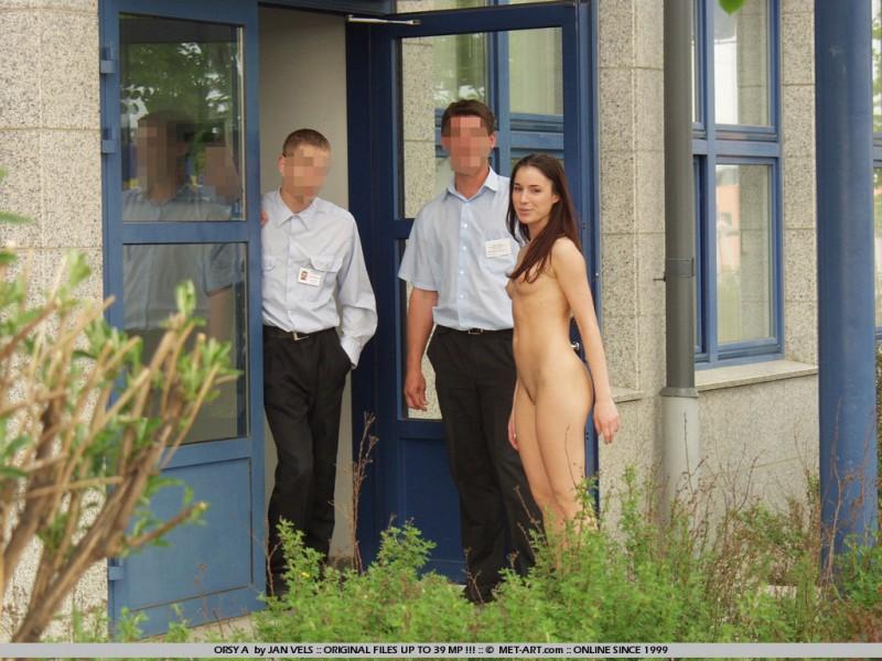 orsy-nude-in-public-17