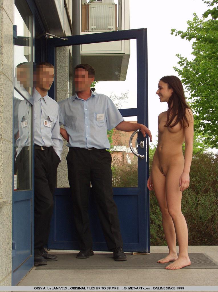 orsy-nude-in-public-18