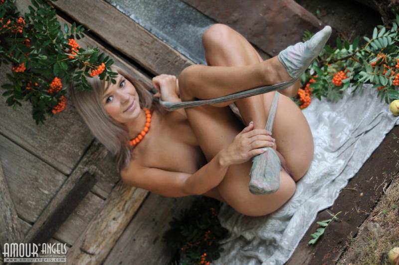 paloma-nude-pantyhose-amourangels-05