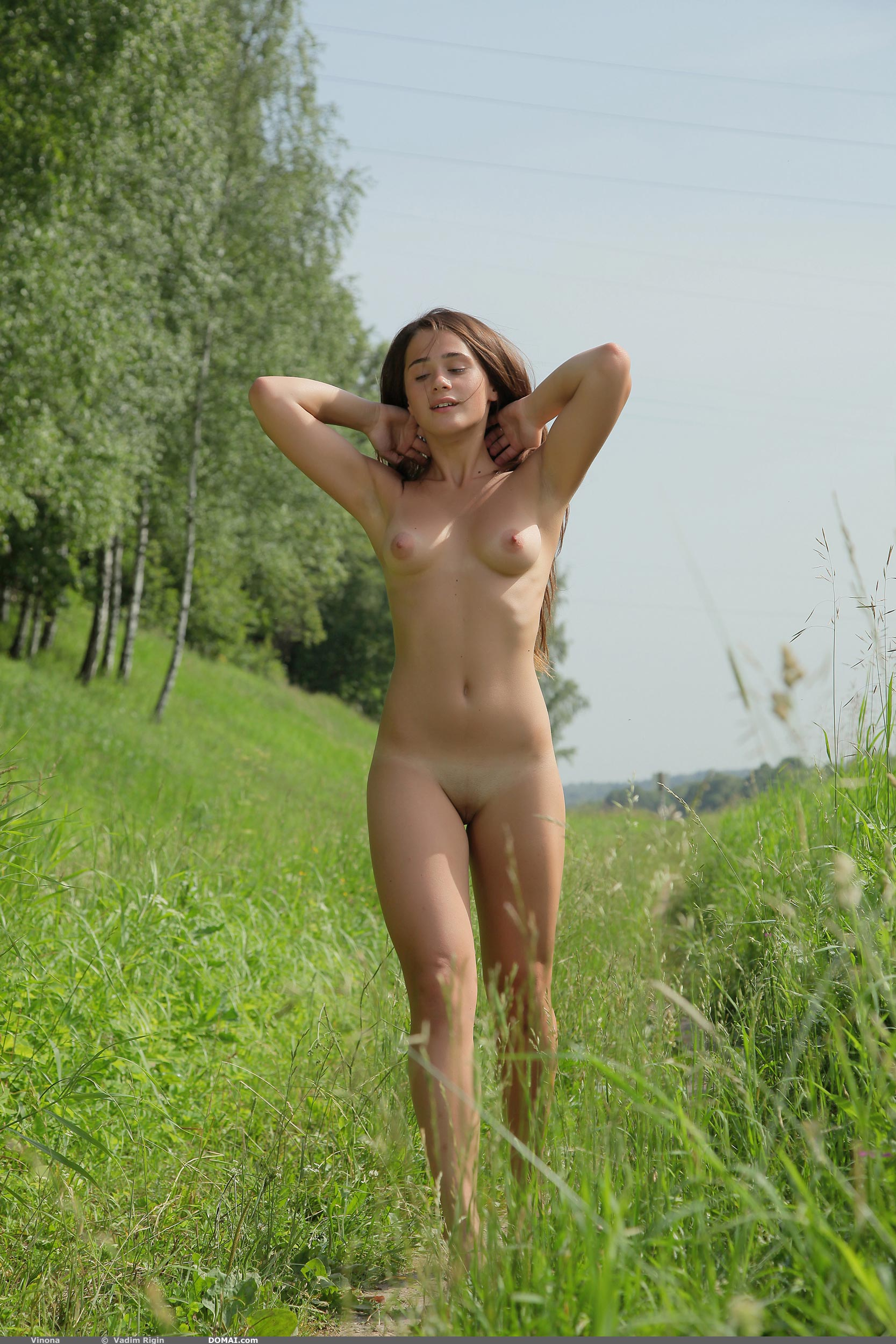vinona-nude-young-outdoor-river-domai-05