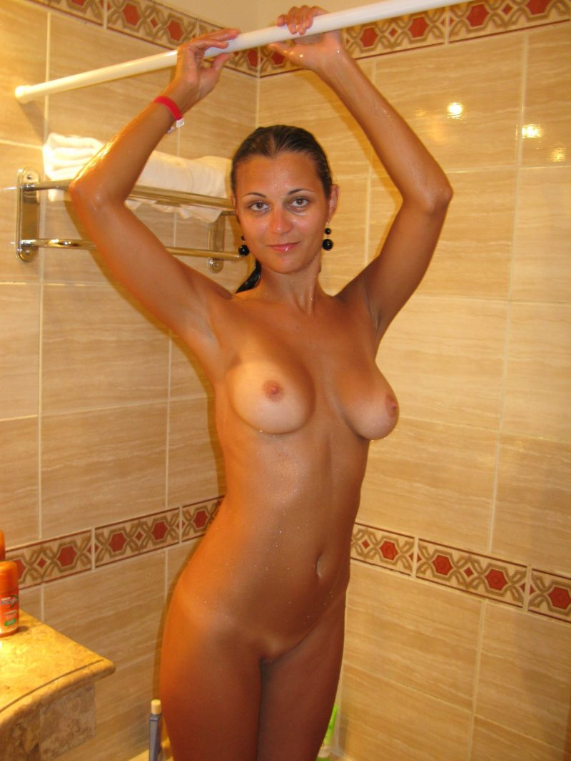 nude amateur side body