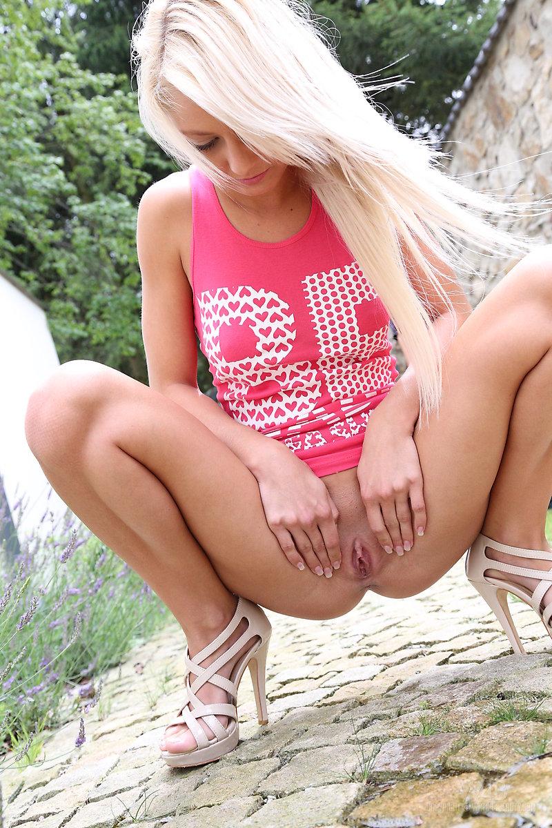 grace-pink-shirt-watch4beauty-15