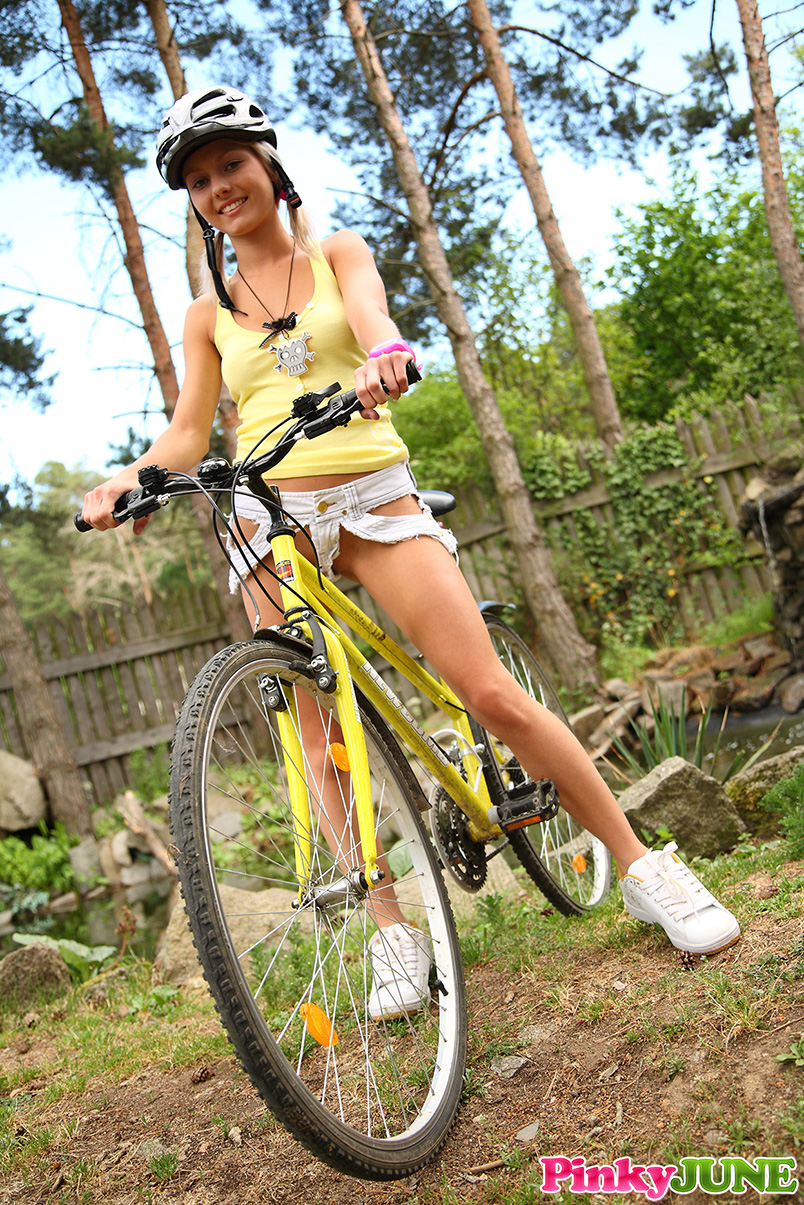 pinky-june-cyclist-girl-bicycle-blonde-nude-05