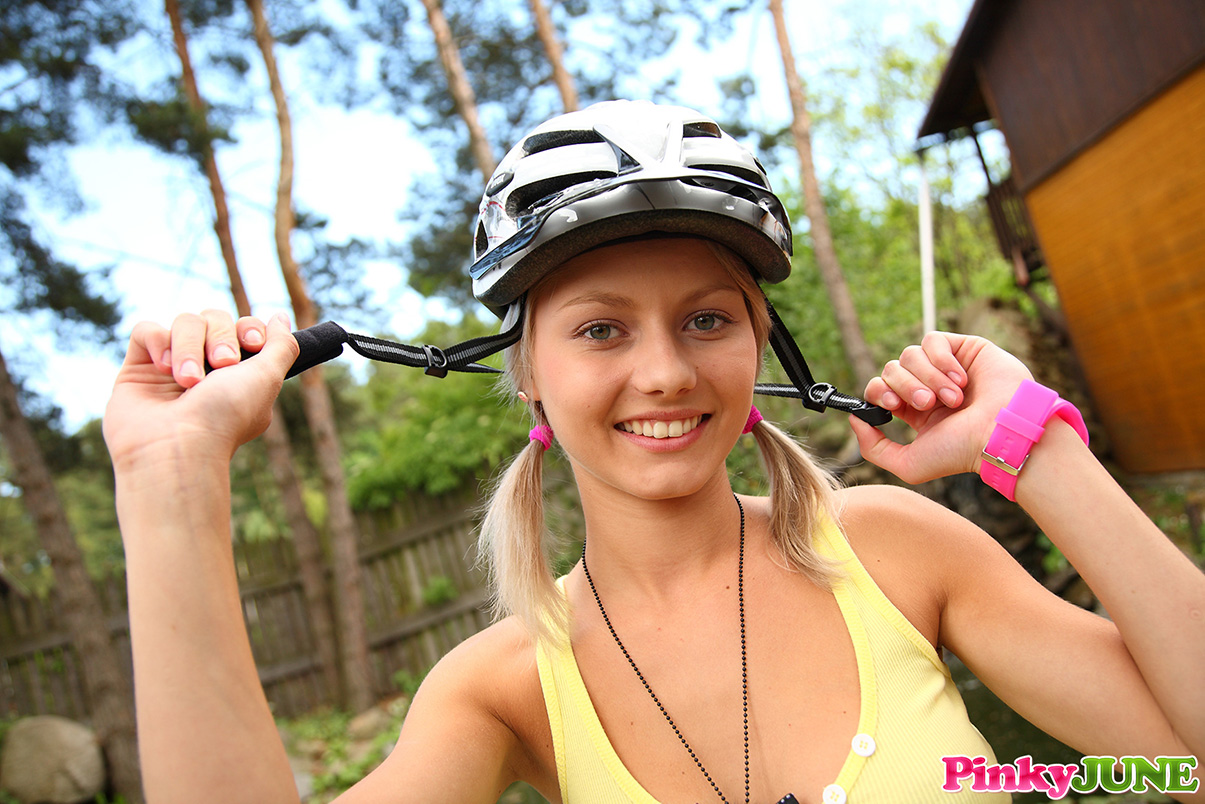 pinky-june-cyclist-girl-bicycle-blonde-nude-08