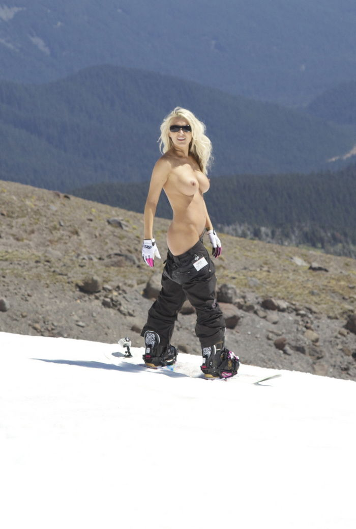 hot-nude-snowboarders