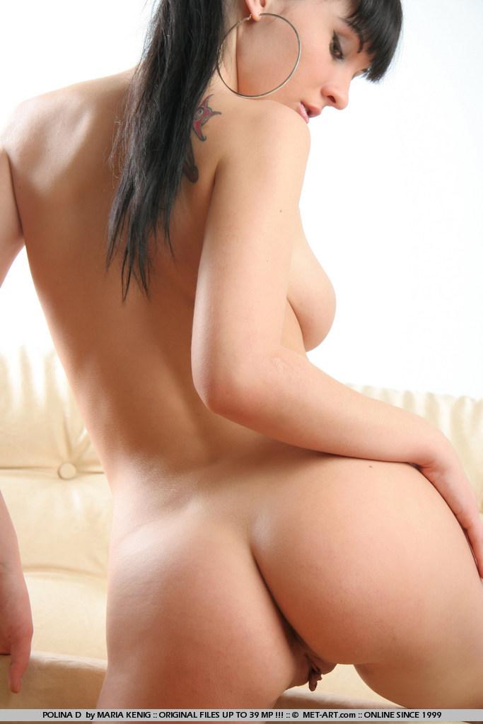 polina-d-couch-met-art-15