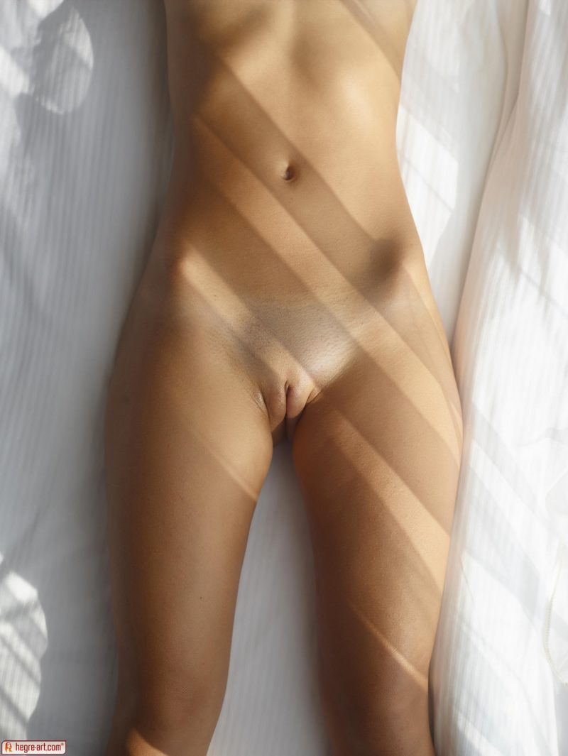 venus-sunny-day-naked-hegreart-04