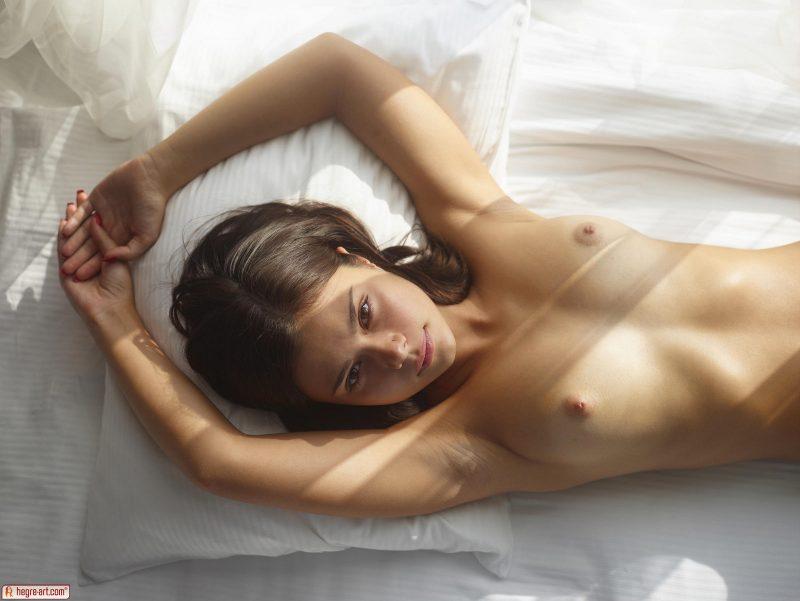 venus-sunny-day-naked-hegreart-05