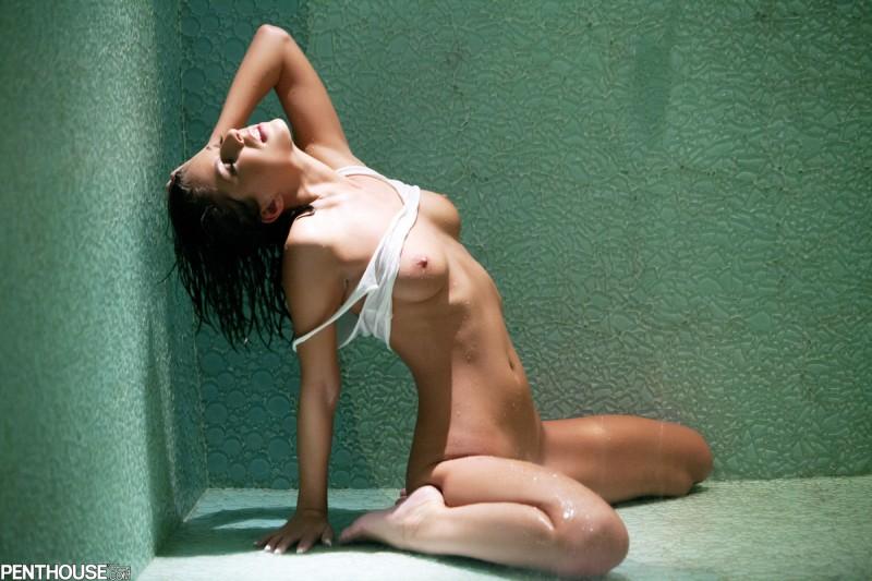 presley-hart-wet-shower-penthouse-13