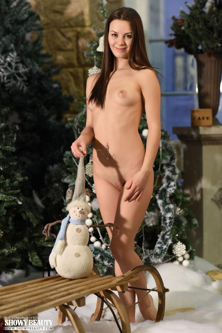 prima-nude-chrismas-winter-showybeauty-09