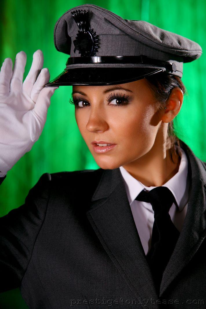 rachael-boden-uniform-02