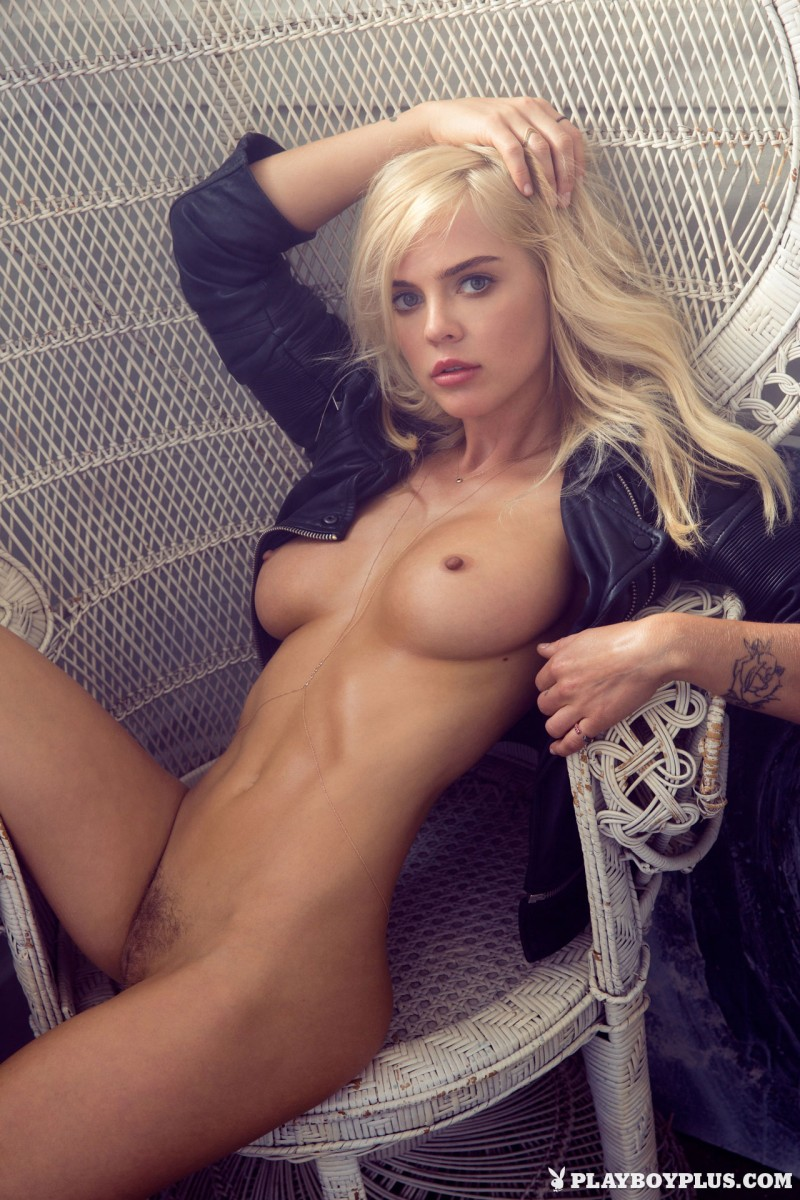 rachel-harris-erotic-nude-playboy-13