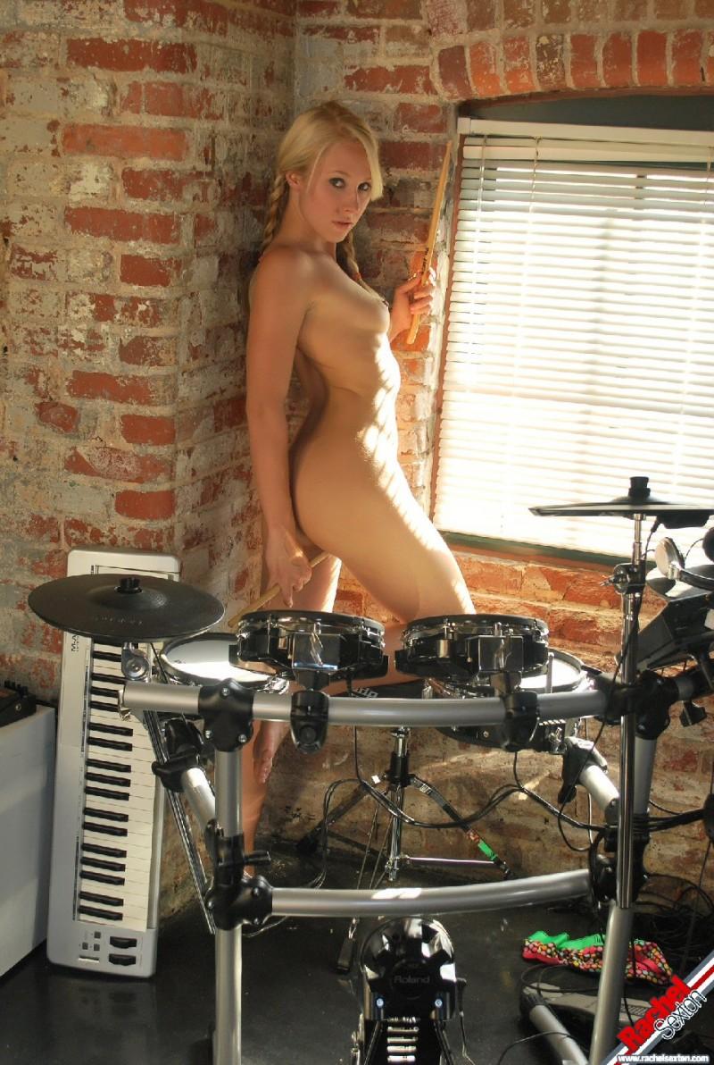 rachel-sexton-drummer-teen-nude-27