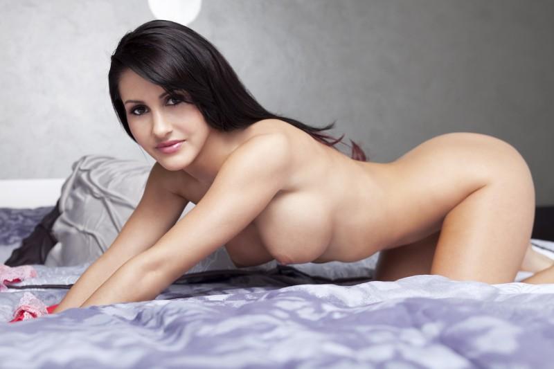 rachel-shine-bedroom-playboy-12