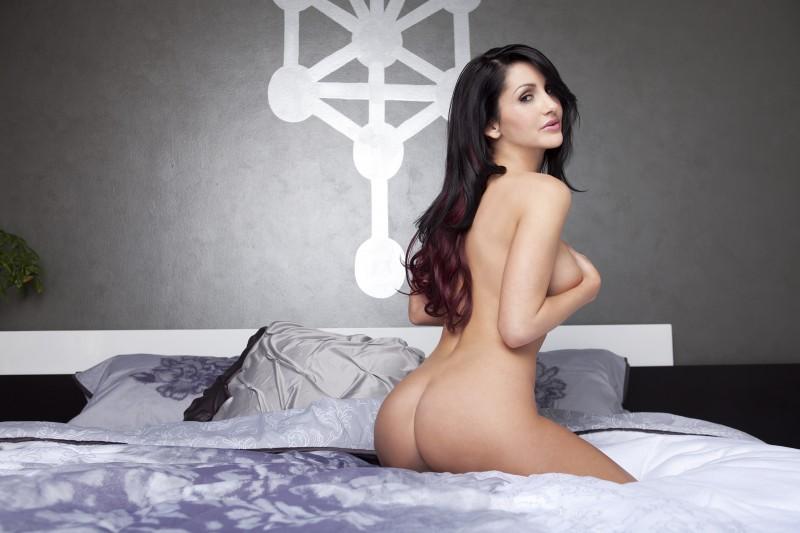 rachel-shine-bedroom-playboy-16