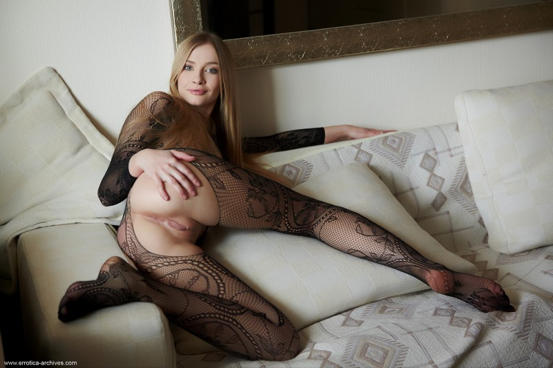 raffaella-bodystocking-errotica-archives-10