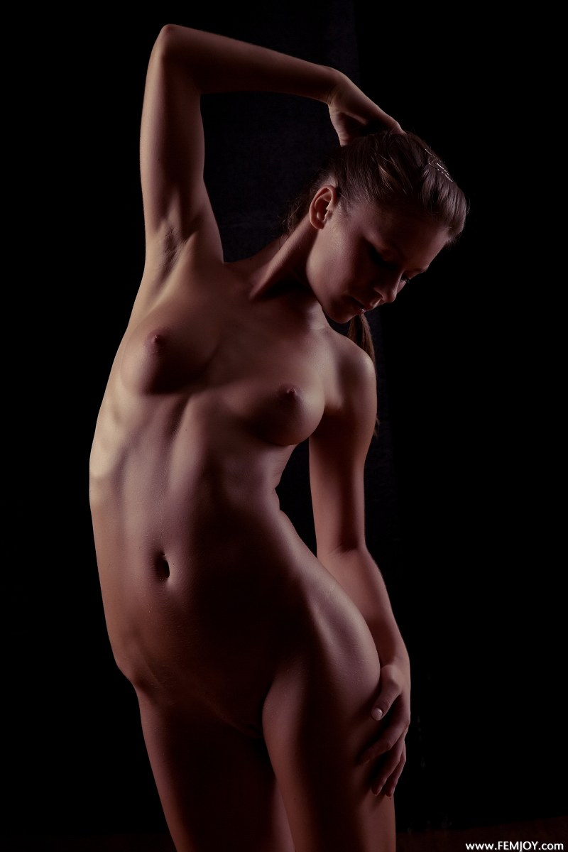 raisa-nude-femjoy-05