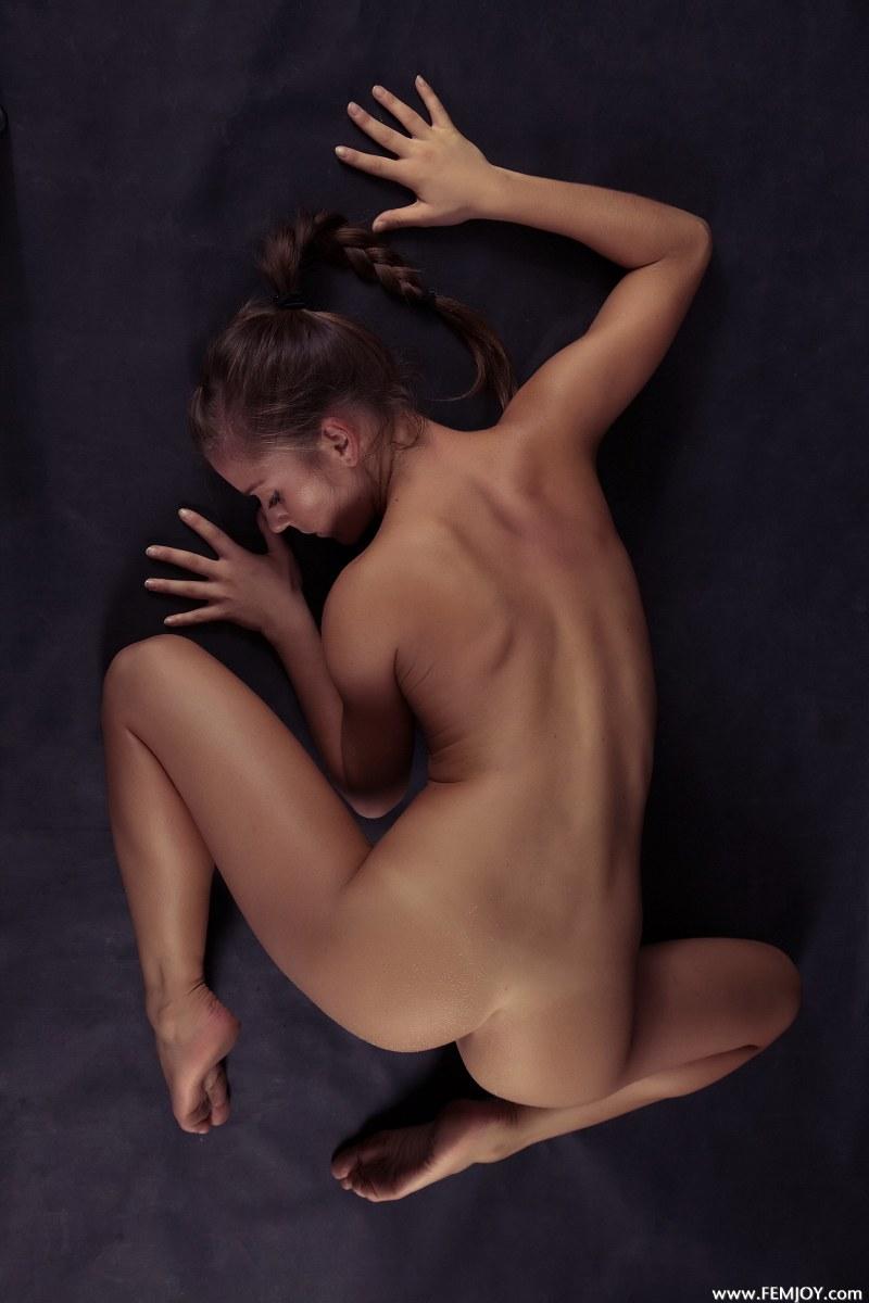 raisa-nude-femjoy-11