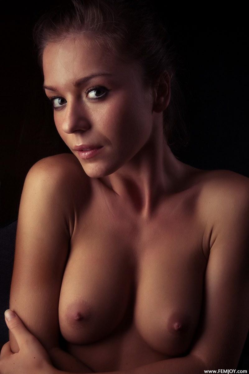 raisa-nude-femjoy-14