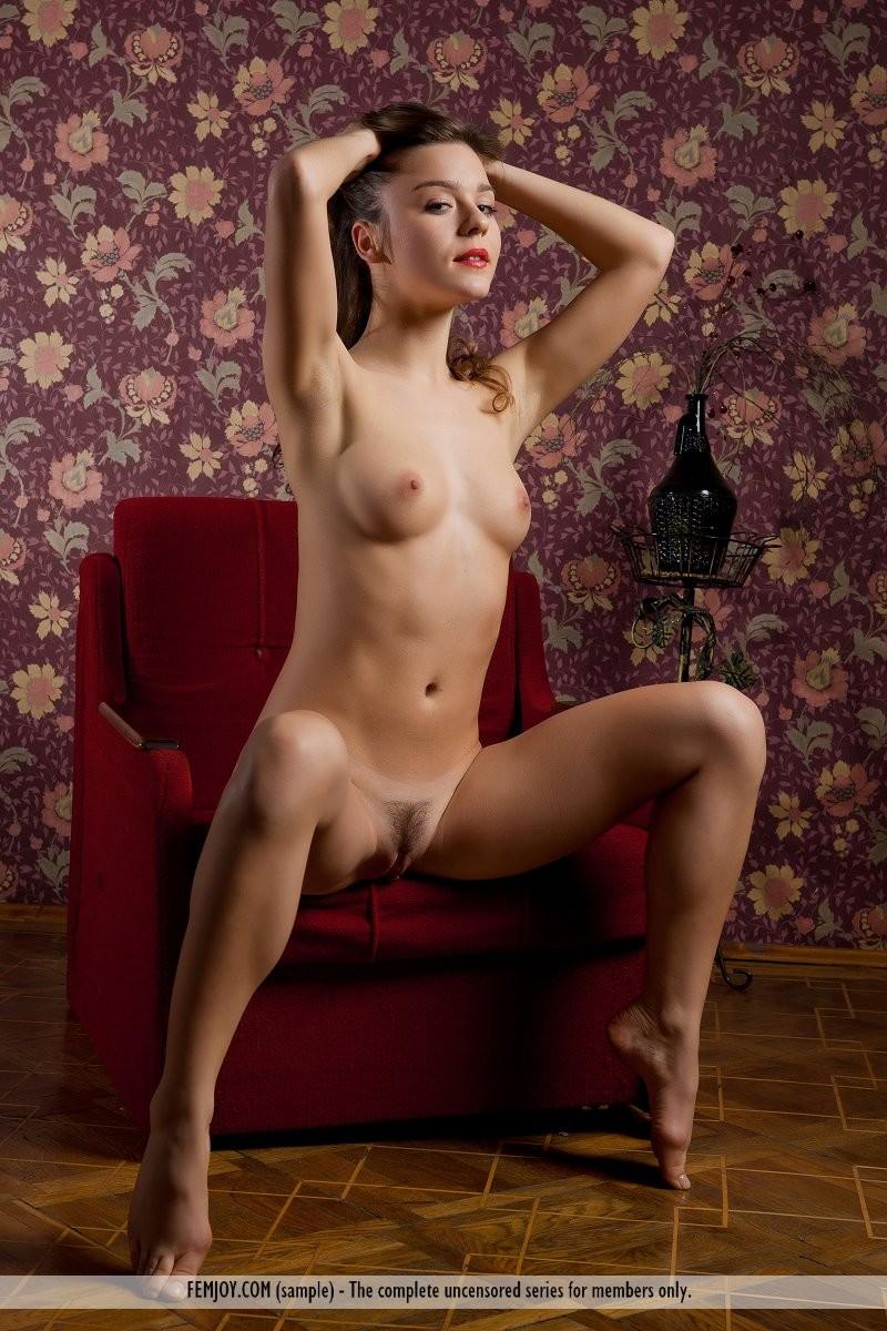 raisa-nude-red-armchair-femjoy-04