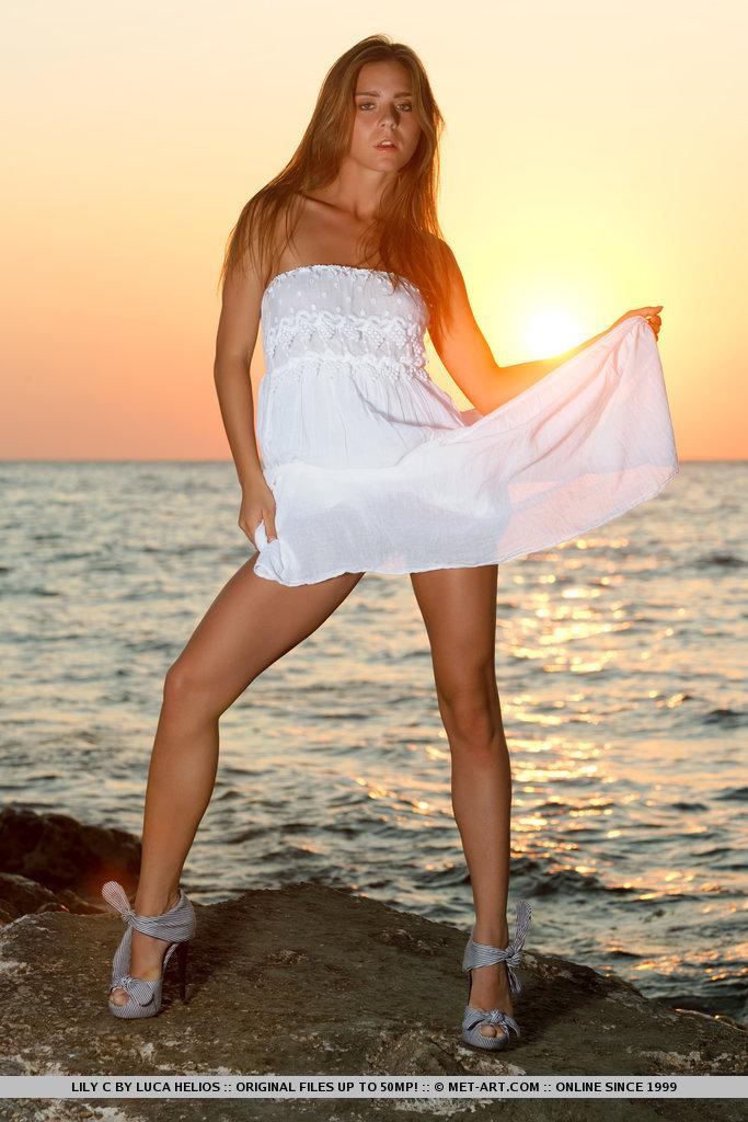 lily-c-sunset-met-art-02