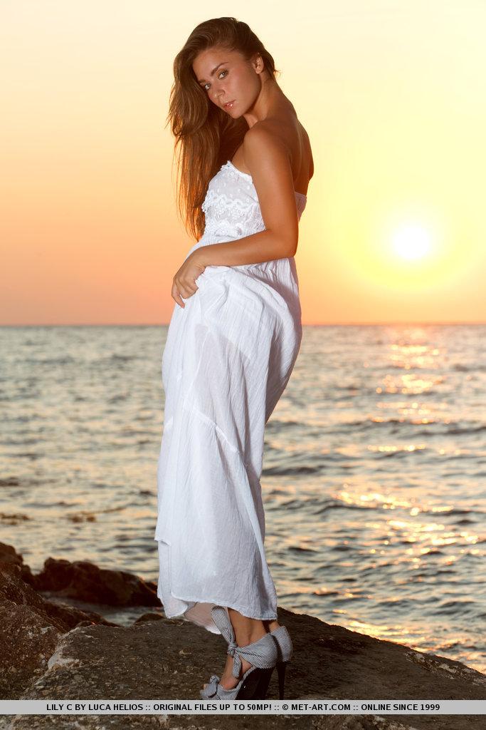 lily-c-sunset-met-art-03